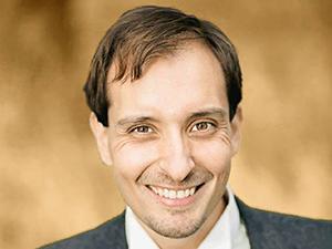 Porträttbild på Jonas Forsman