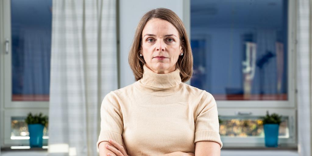 Katharina L Sjölin, rättsläkare
