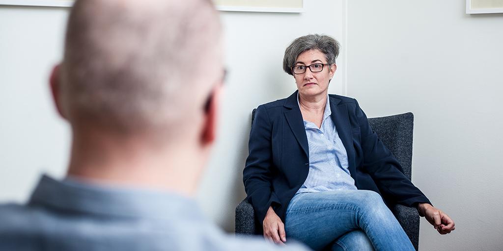 Samtal på rättspsykiatrisk undersökningsenhet
