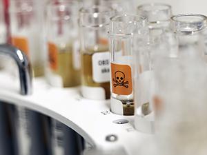 På rättskemiska laboratoriet analyserar vi narkotika, alkohol och läkemedel